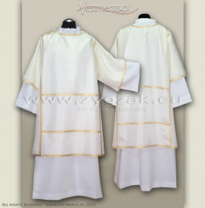 DB-1 PONTIFICAL DALMATIC