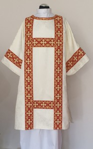DS-ROZ-GH7 SEMIGOTHIC STYLE DALMATIC