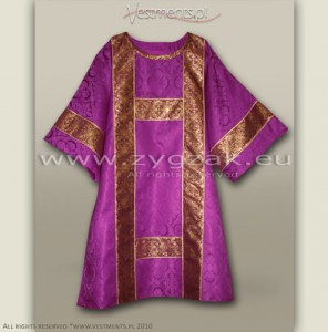 DS-ROZ-GT ROMAN PURPLE SEMI-GOTHIC DALMATIC