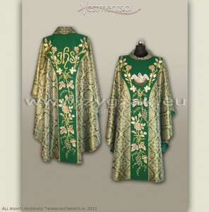 "OG-HR-P-26 ""PELICAN"" GOTHIC STYLE CHASUBLE"
