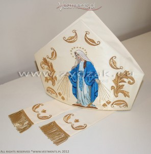 M8-3 MITRE WITH HAND EMBROIDERED MARIAN PICTURE
